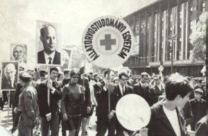 Az egyetem képviselői egy május 1-jei felvonuláson